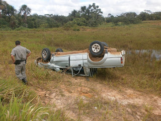 Caminhonete L200 Capota deixa 11 feridos, quatro em estado grave