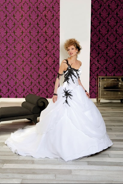 Robe mariee blanche grise