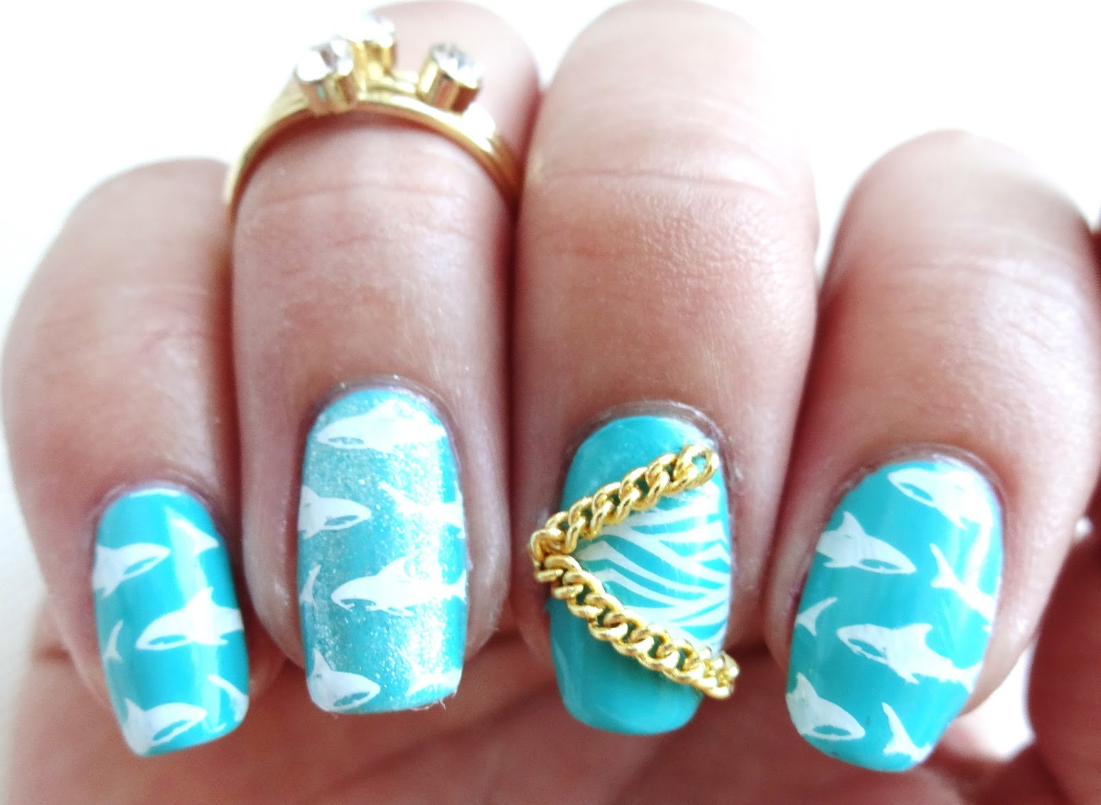 Add chain to nail