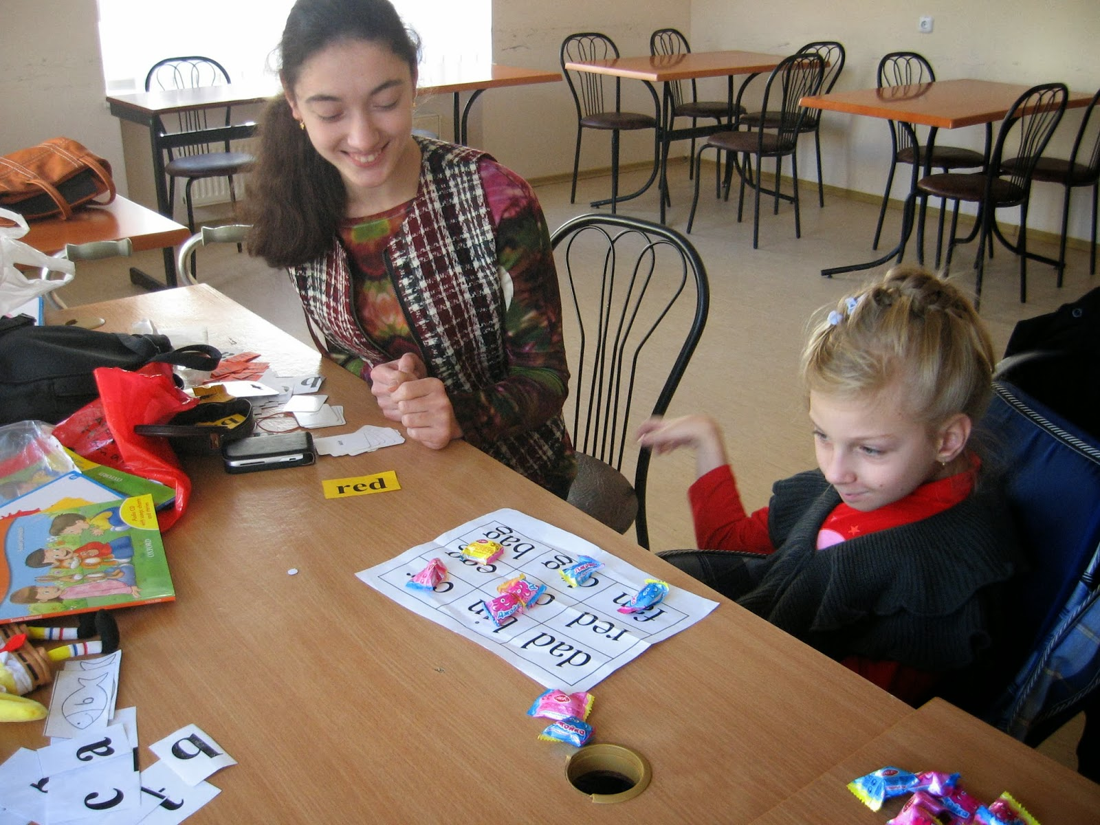 teaching english to children The tips and resources from teaching english games have helped over 15,000 teachers and schools around the plus other outstanding resources for teaching children.