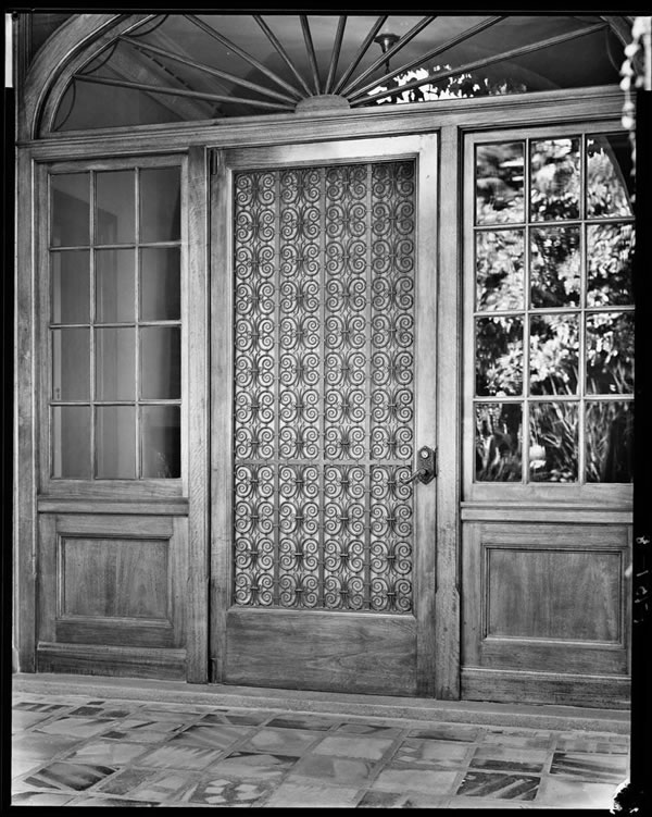 Fabulous front doors screen doors glamour drops for Fabulous front doors