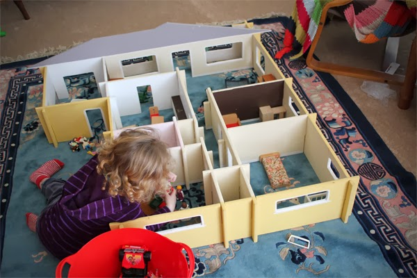 http://www.fangletronics.com/2012/03/our-home-doll-house.html