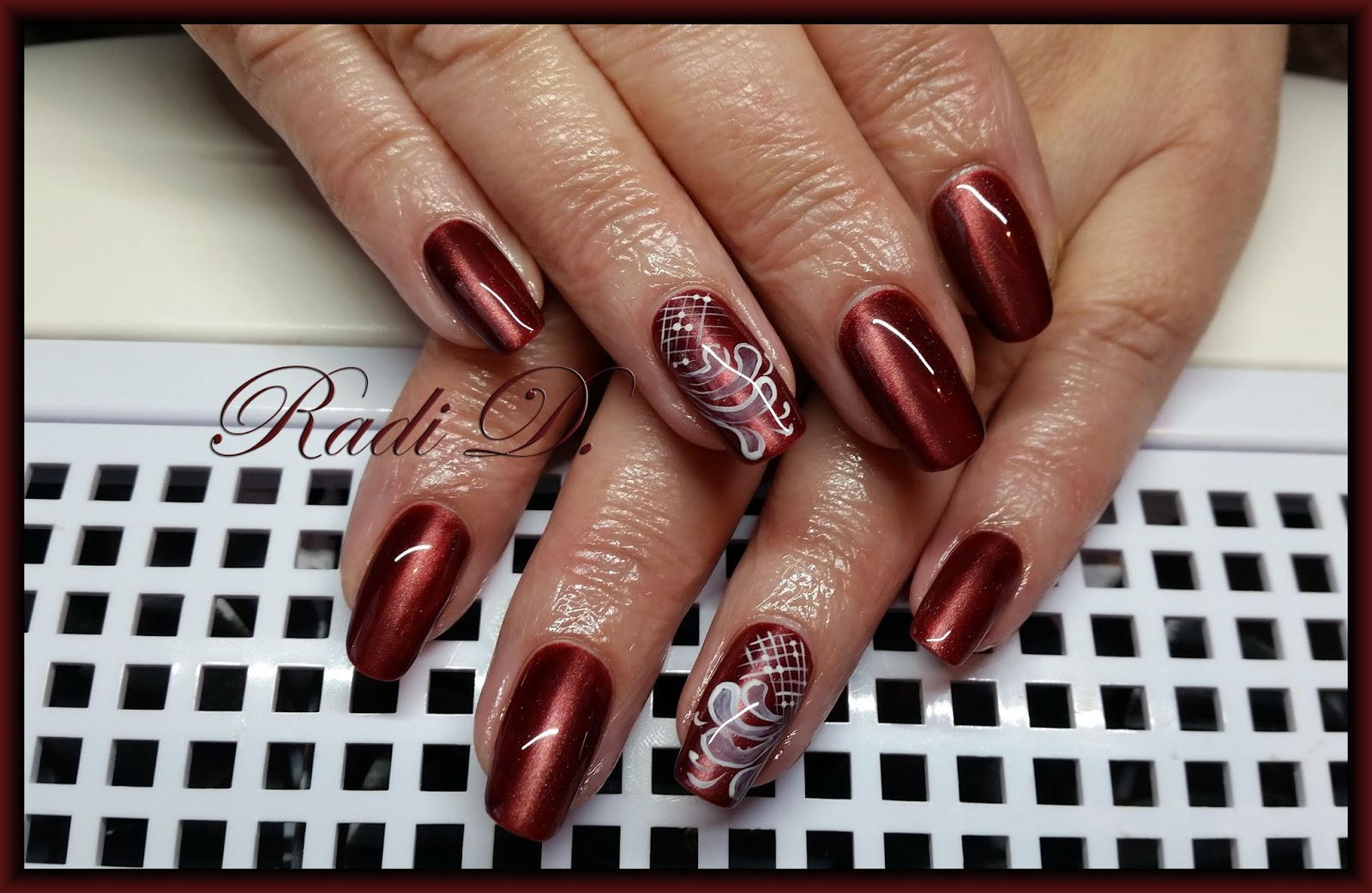 It`s all about nails: Wine red Cat Eye gel polish