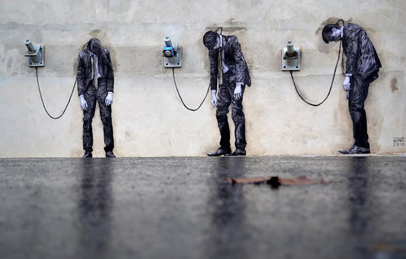 Artista francés 'Levalet' continua inyectando humor en las calles de París