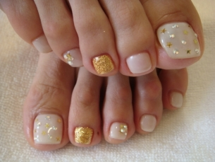 nail art toes