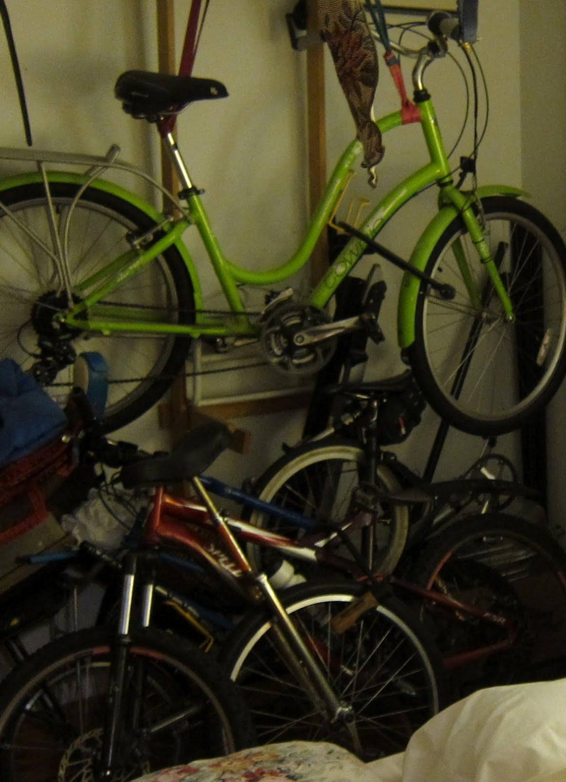 winter bike storage a.k.a. the bedroom problem & Cycle Fun Montreal: winter bike storage a.k.a. the bedroom problem
