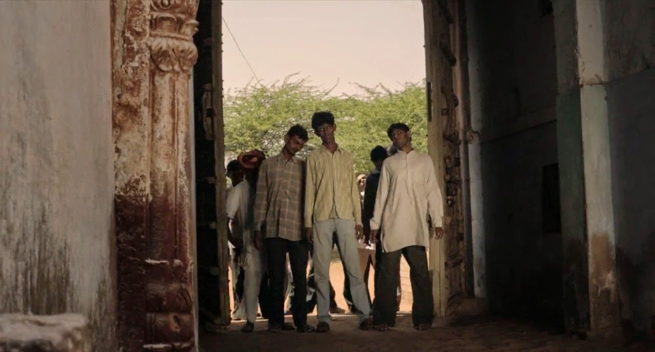 The Dead 2: India (2013) S4 s The Dead 2: India (2013)