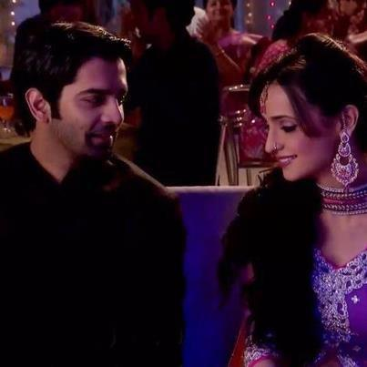 khushi arnav romantic , kissing images