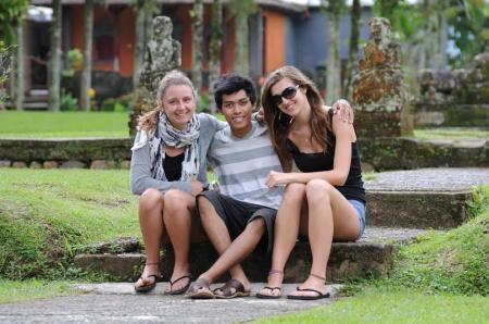 Janda Indonesia v Janda Bule