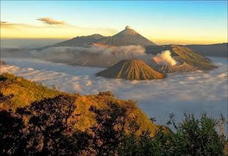 Alasan Kenapa Berwisata di Gunung Bromo Harus Malam Hari?