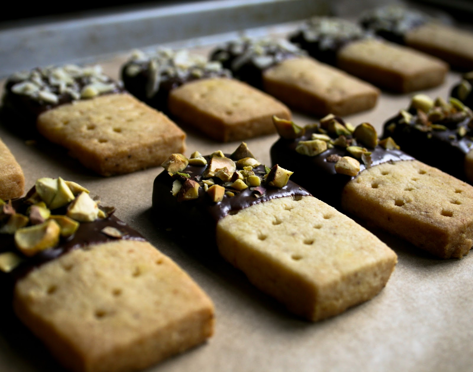 KitchenLab: Almond & Orange Shortbread Bars