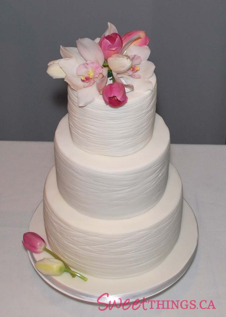 SweetThings Simple And Elegant Wedding Cake