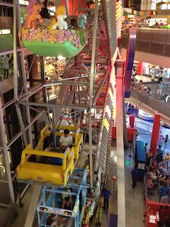 Toys 'R Us Ferris Wheel