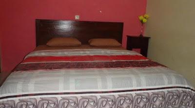 tempat tidur kamar puri karimun jawa