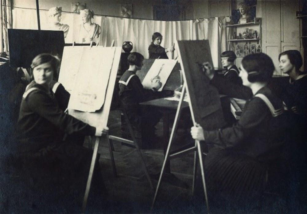 Lekcja rysunku w Szymanowskiej szkole