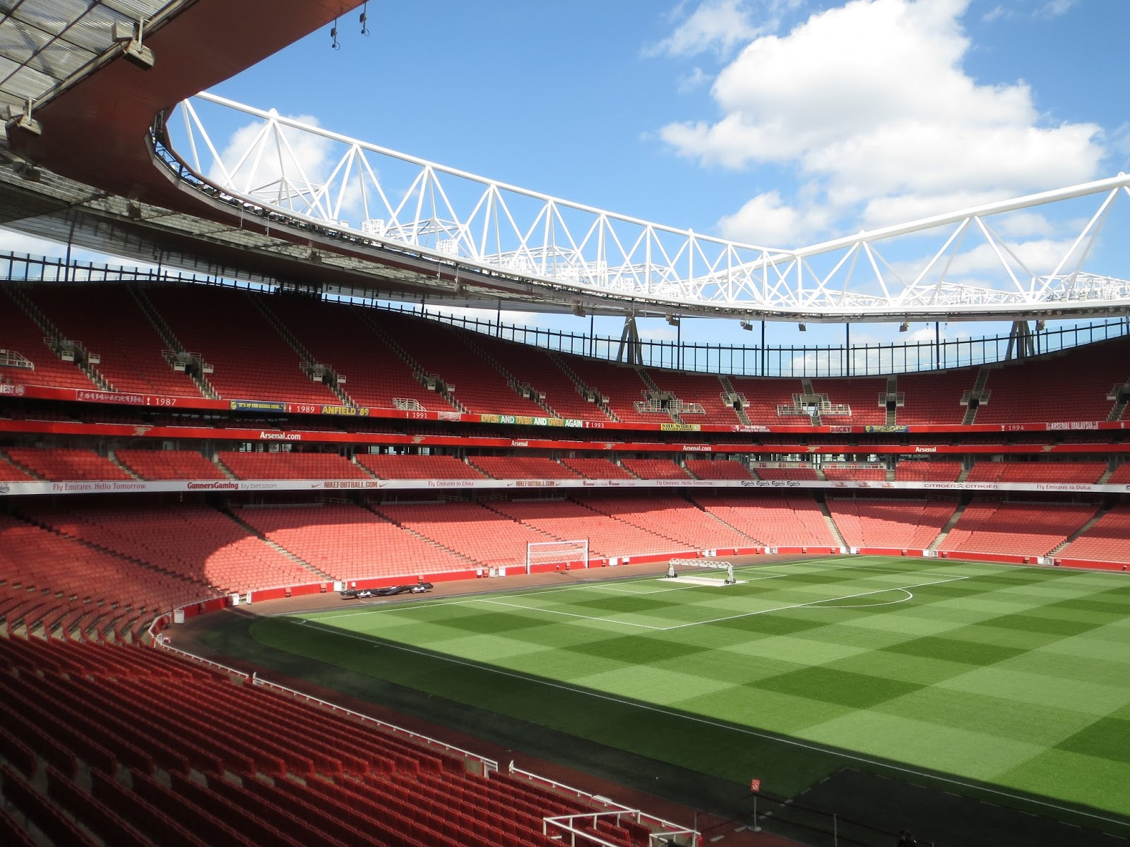 londinoupolis: The Emirates Stadium