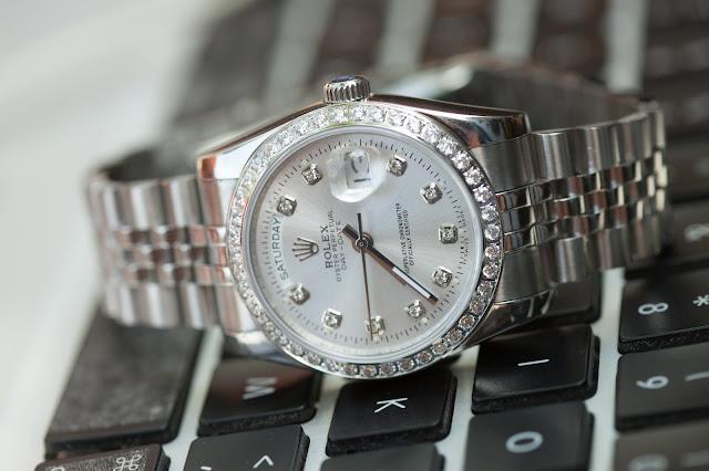 Đồng hồ Rolex R109 bán ở đâu