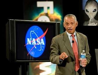 """A declaração foi dada por Charles Bolden, administrador da NASA, em um programa televisivo. Segundo suas próprias palavras, """"existe uma Área 51, mas ela não é dedicada ao que muitas pessoas pensam. É um lugar comum de pesquisa e desenvolvimento."""