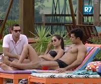 Dan diz a Flávia e Carril que eles estão isolados