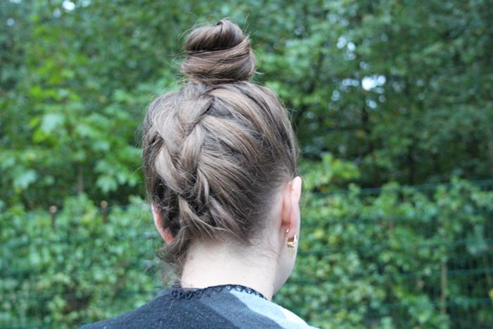 höllandischer Zopf, geflochtener Dutt, braided hair, französisch geflochten, holländisch geflochten, am Hinterkopf geflochten