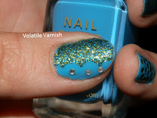 Blue-green-glitter-rhinestones-mani-thumb