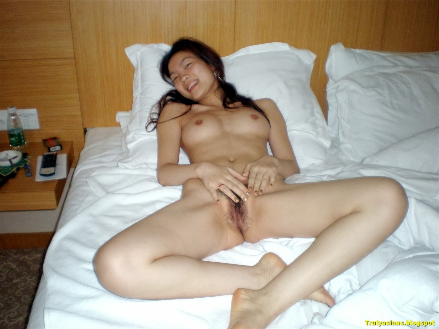 Truly Asians: Amateur Chinese Girlfriend Posing Nude and ...