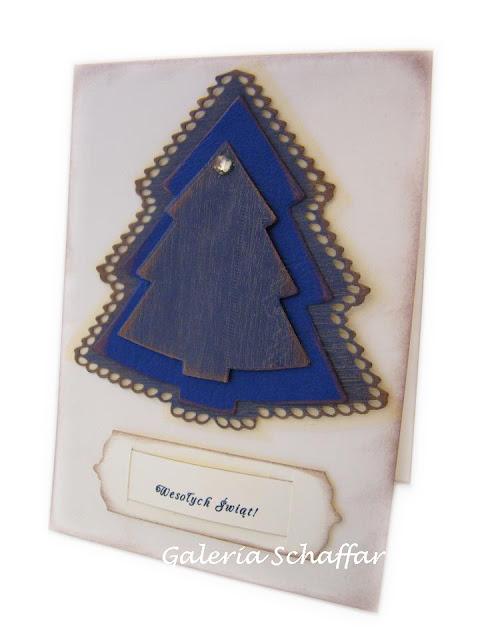 nietypowa niebieska kartka świąteczna wykrojnik choinki marianne design