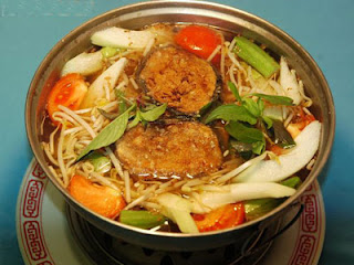 Sour soup (Canh chua) 2
