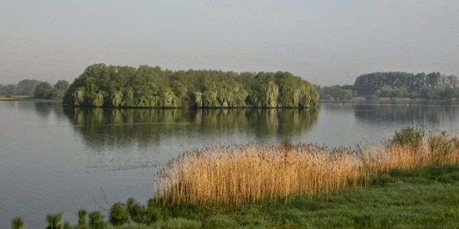 Bentuk Danau Paling Unik Di Dunia