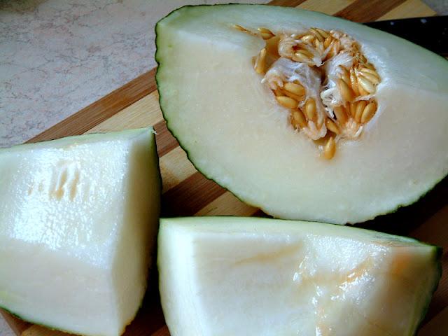 Melon, mango i borówka skąpane w Baileys Irish Cream. Deser wart grzechu !