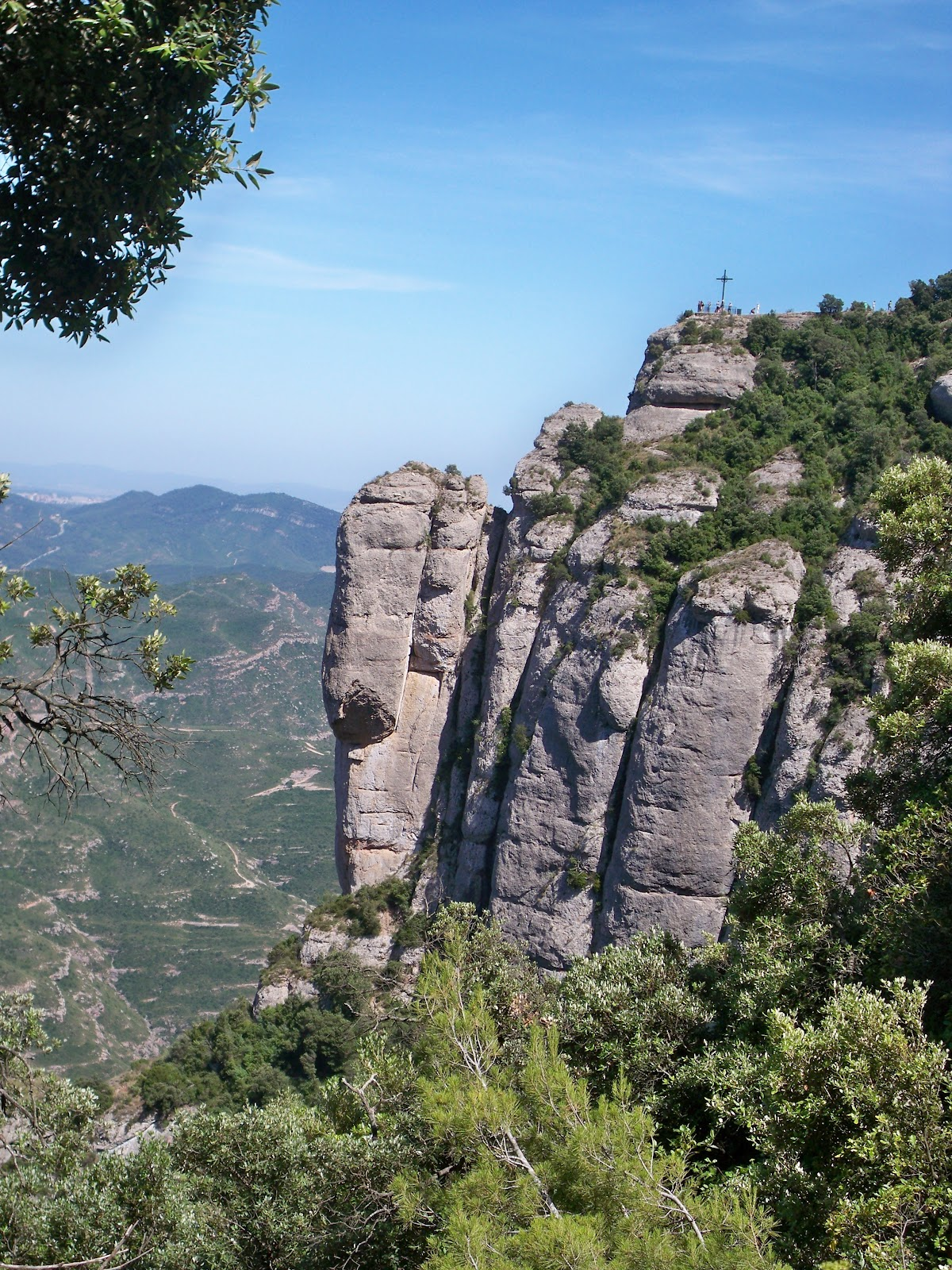 how to get to montserrat from barcelona