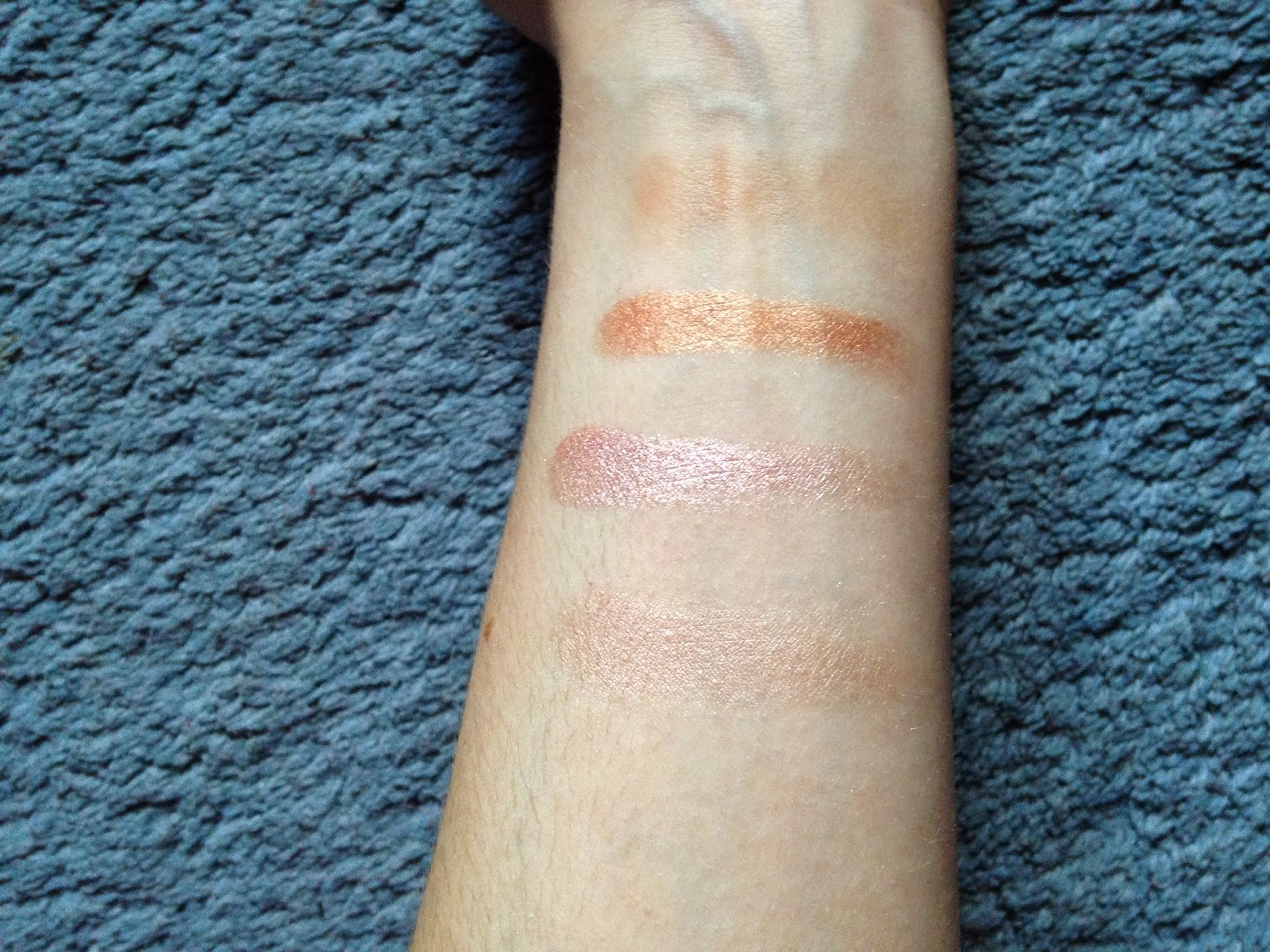 Makeup Revolution Golden Sugar Blush and Contour Palette Swatches
