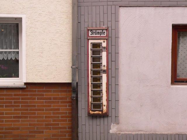 Altenahr Rheinland-Pfalz Automat Strümpfe nostalgisch