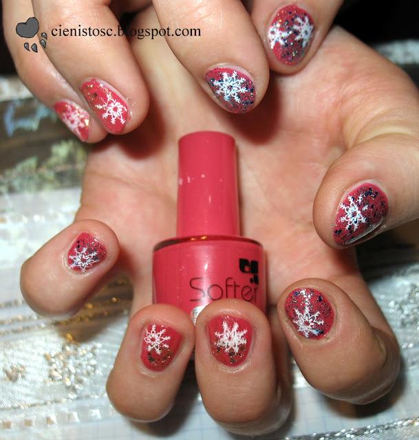 Czerwony lakier, brokat i śnieżynki