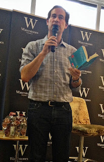 https://rainbowreading.wordpress.com/2014/08/15/an-evening-with-david-levithan-and-james-dawson/