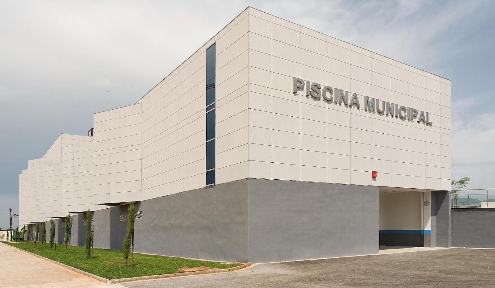 Cubiertas cerramientos cucel casos de xito piscina for Piscina municipal cubierta