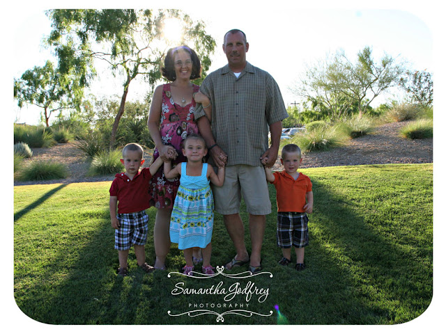 Las Vegas Family Photographer | Las Vegas Family Photos | Las Vegas Child Photographer | Nelsons Landing Photographer | Exploration Park | Photographer | Family Photos | Family Picture Poses