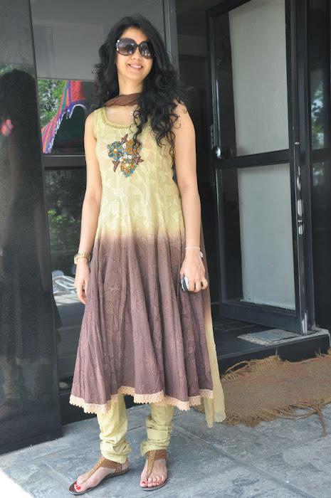 kamna jethmalani at movie 9 entertainments movie pooja hot photoshoot