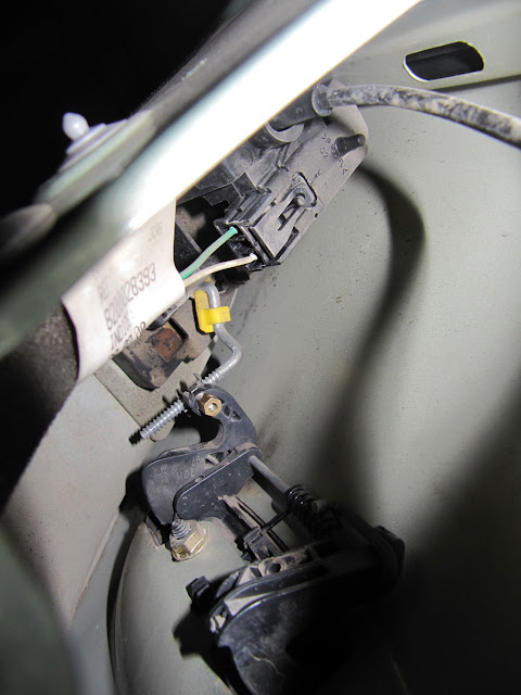 mecanismo interno de apertura con el nuevo tornillo