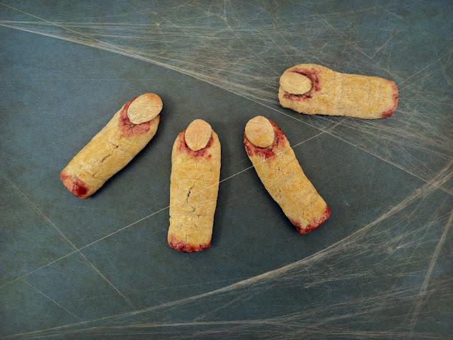 Dedos de bruja, galletas de almendras receta casera