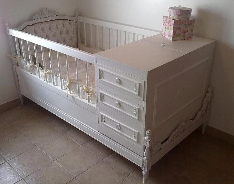 Arte en el desv n camas antiguas convertidas en cunas for Cama y cuna