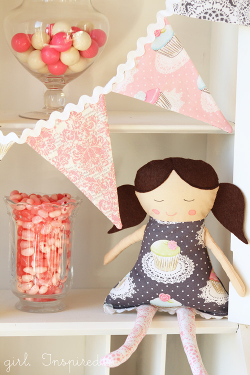 http://thegirlinspired.com/2012/11/make-doll-pattern-and-instructions/
