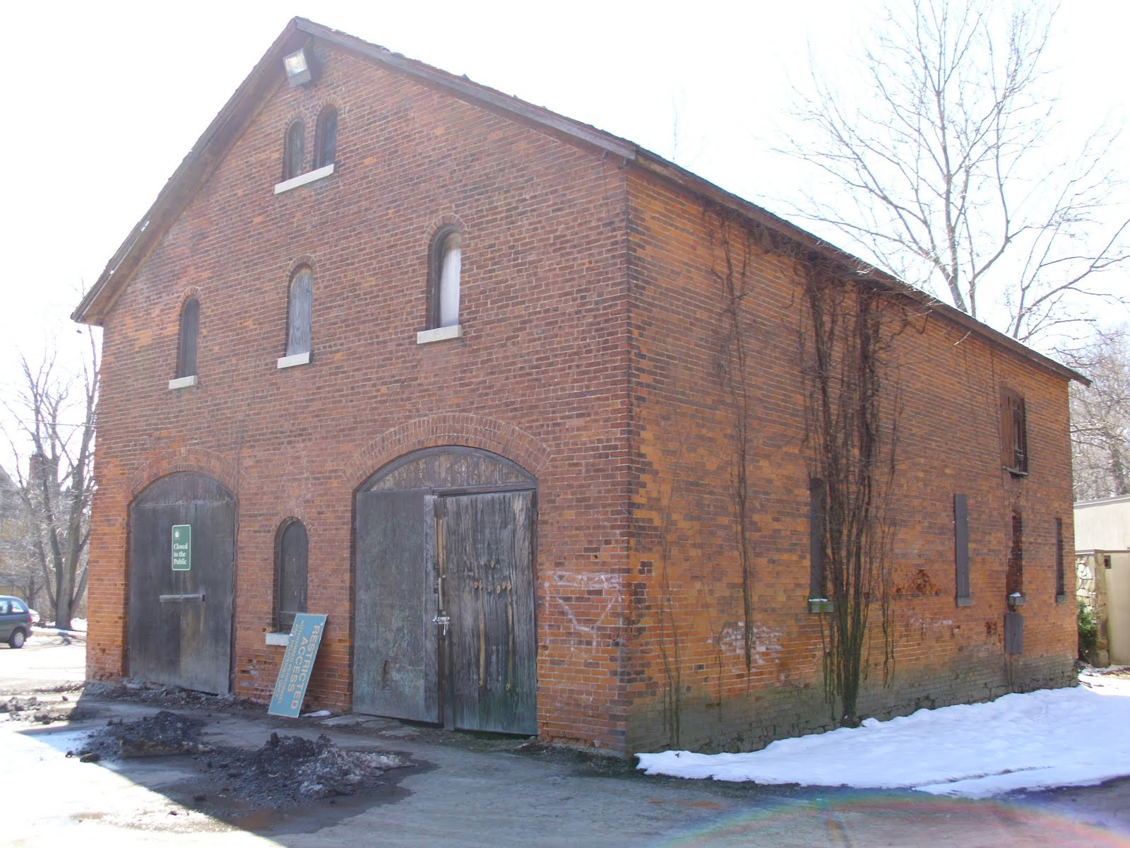 Iwitnessniagara Deveaux Campus Carriage House Barn