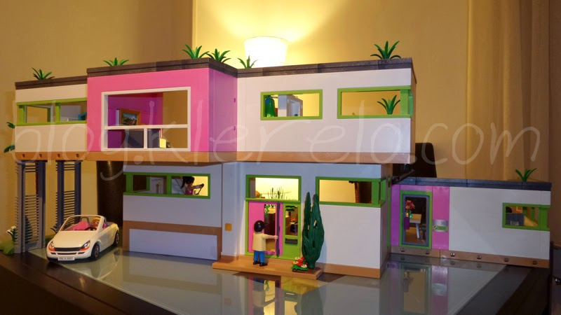 Salon villa moderne play mobil avec des for Cuisine 5582 playmobil