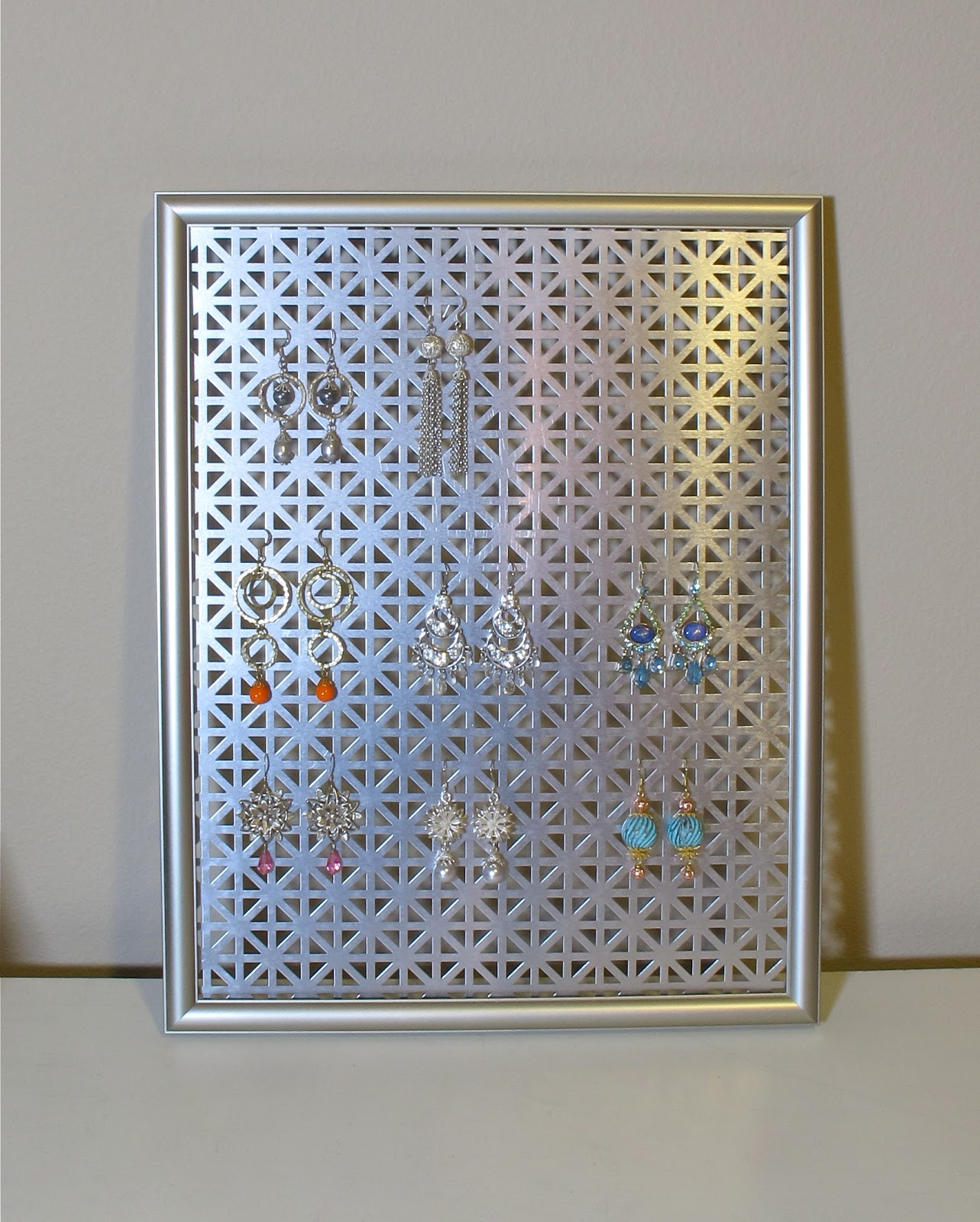 Earring holder metal 80