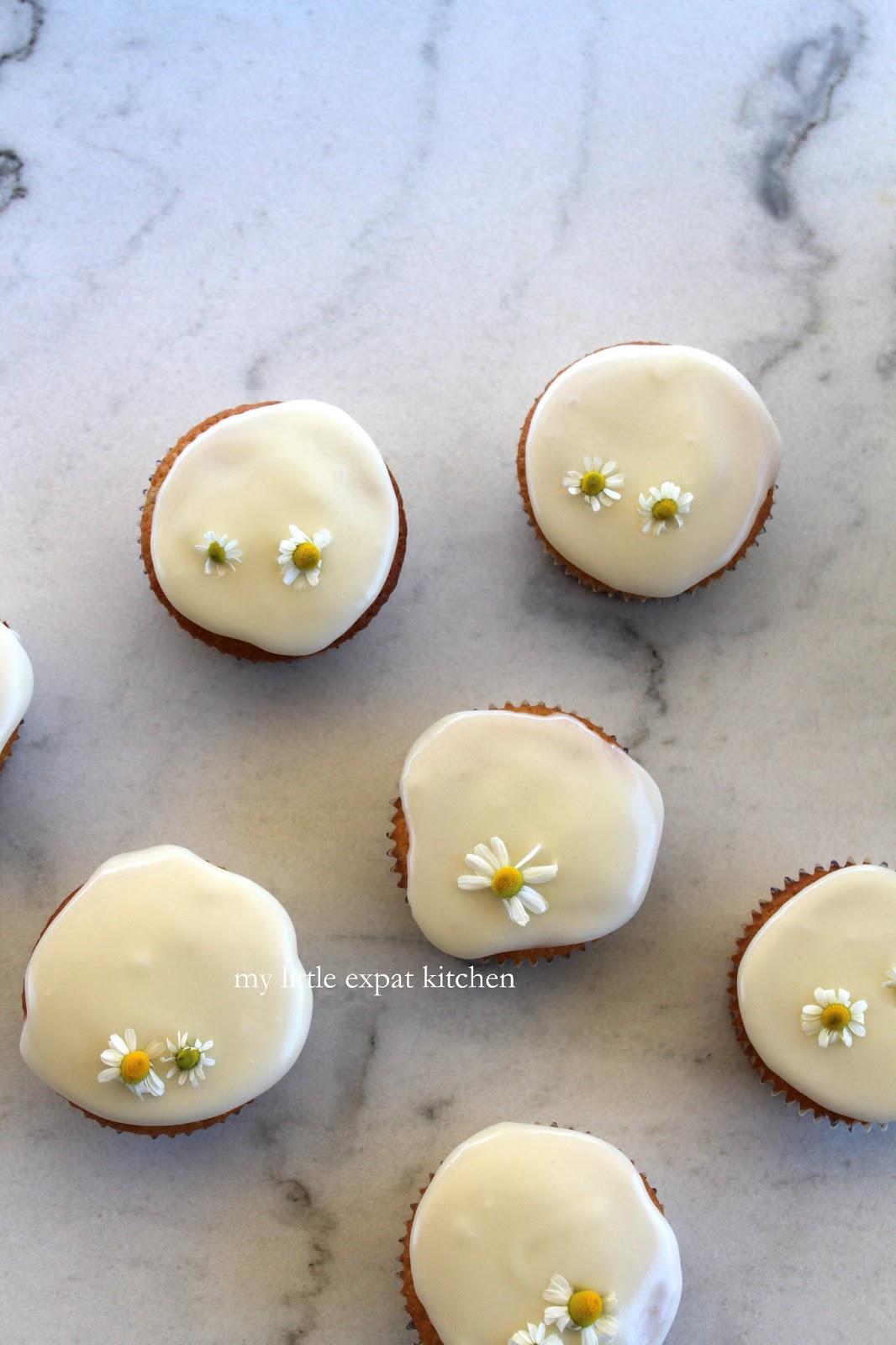 My Little Expat Kitchen: Fresh chamomile cupcakes