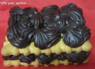Σοκολατένια ατομικά γλυκάκια με ganache σοκολάτας και μπισκότα petit beurre
