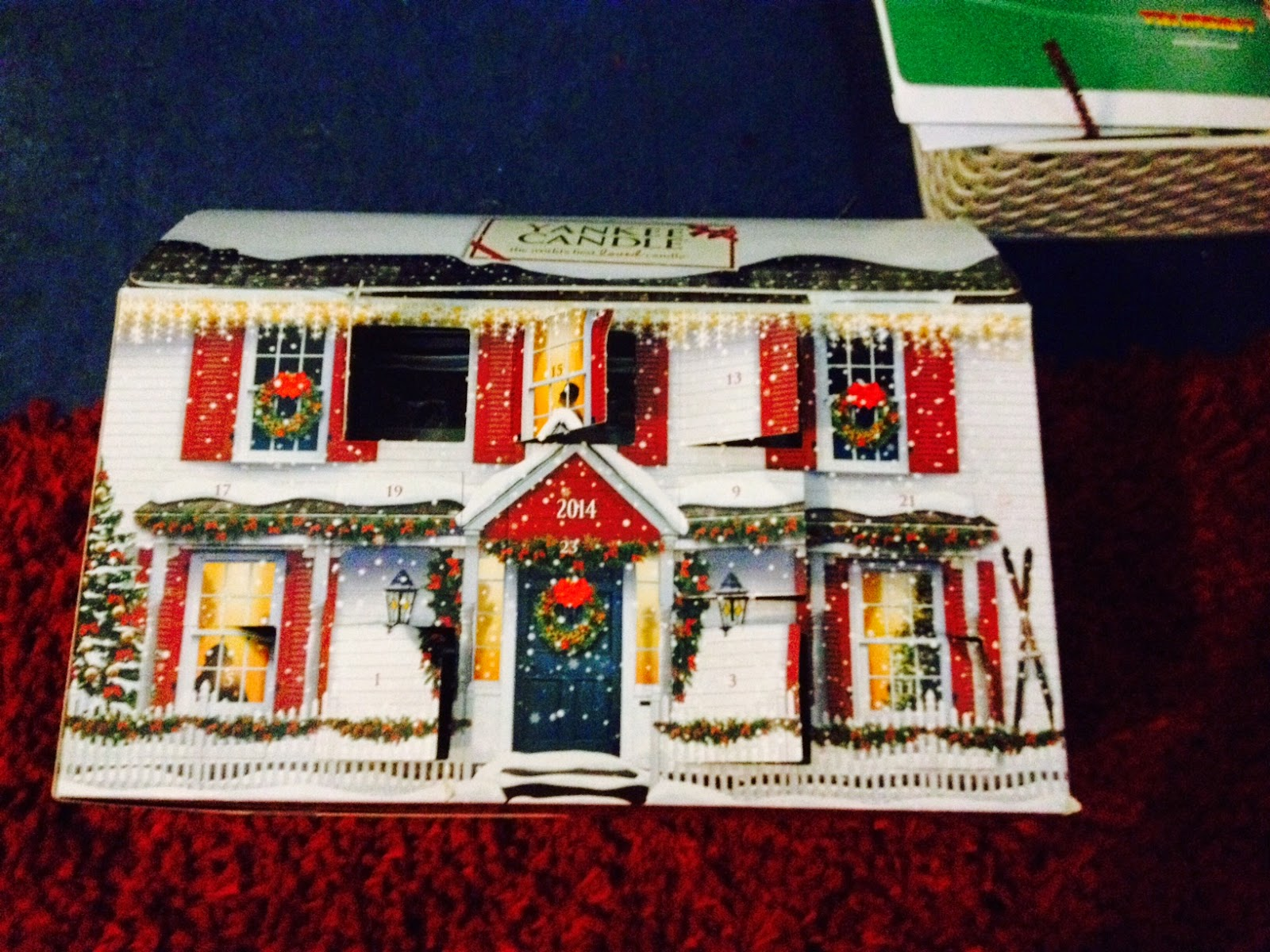 Writing Fatshion Me Yankee Candle Advent Calendar