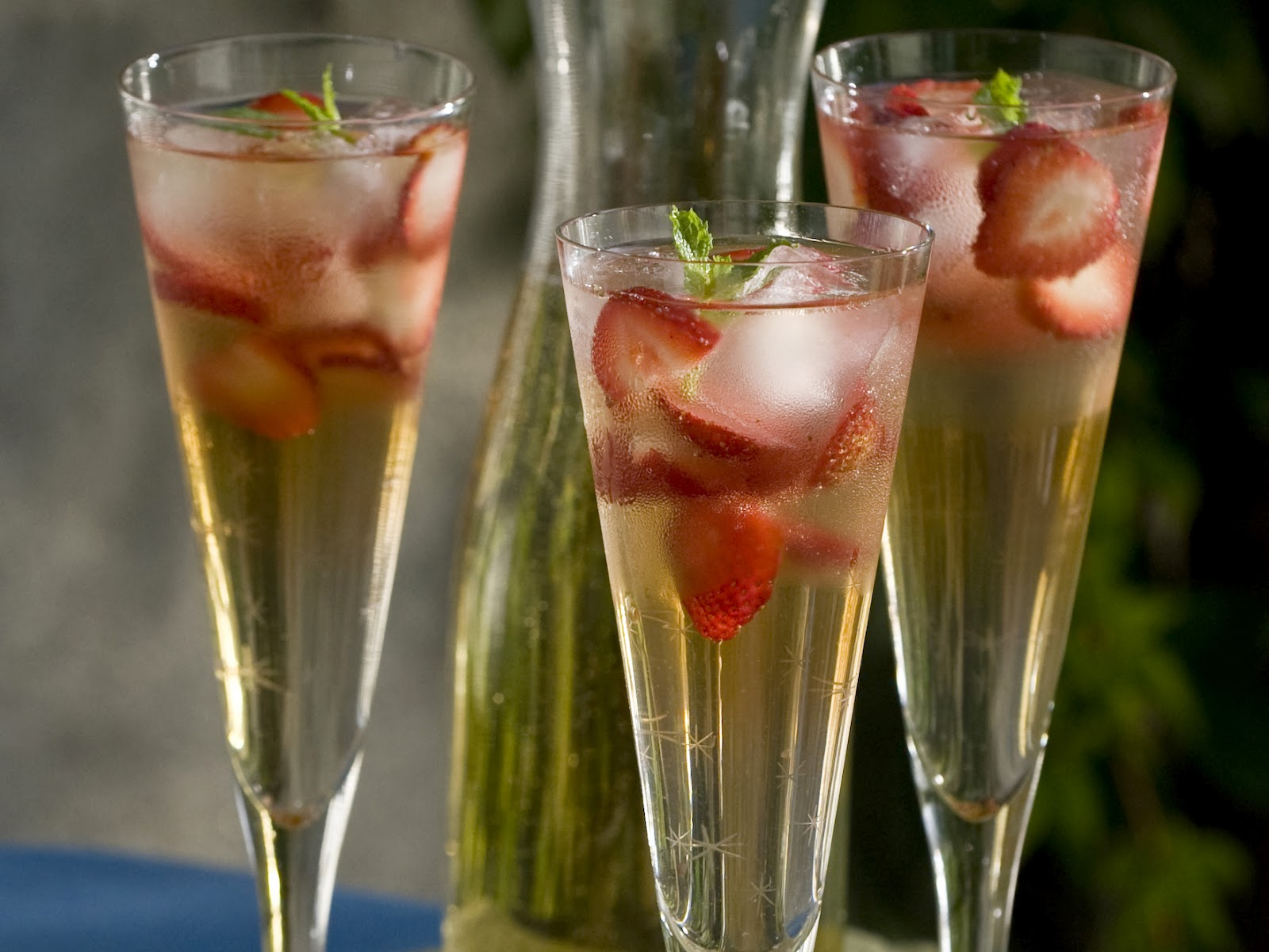 Hungry Bear: Champagne Sangria
