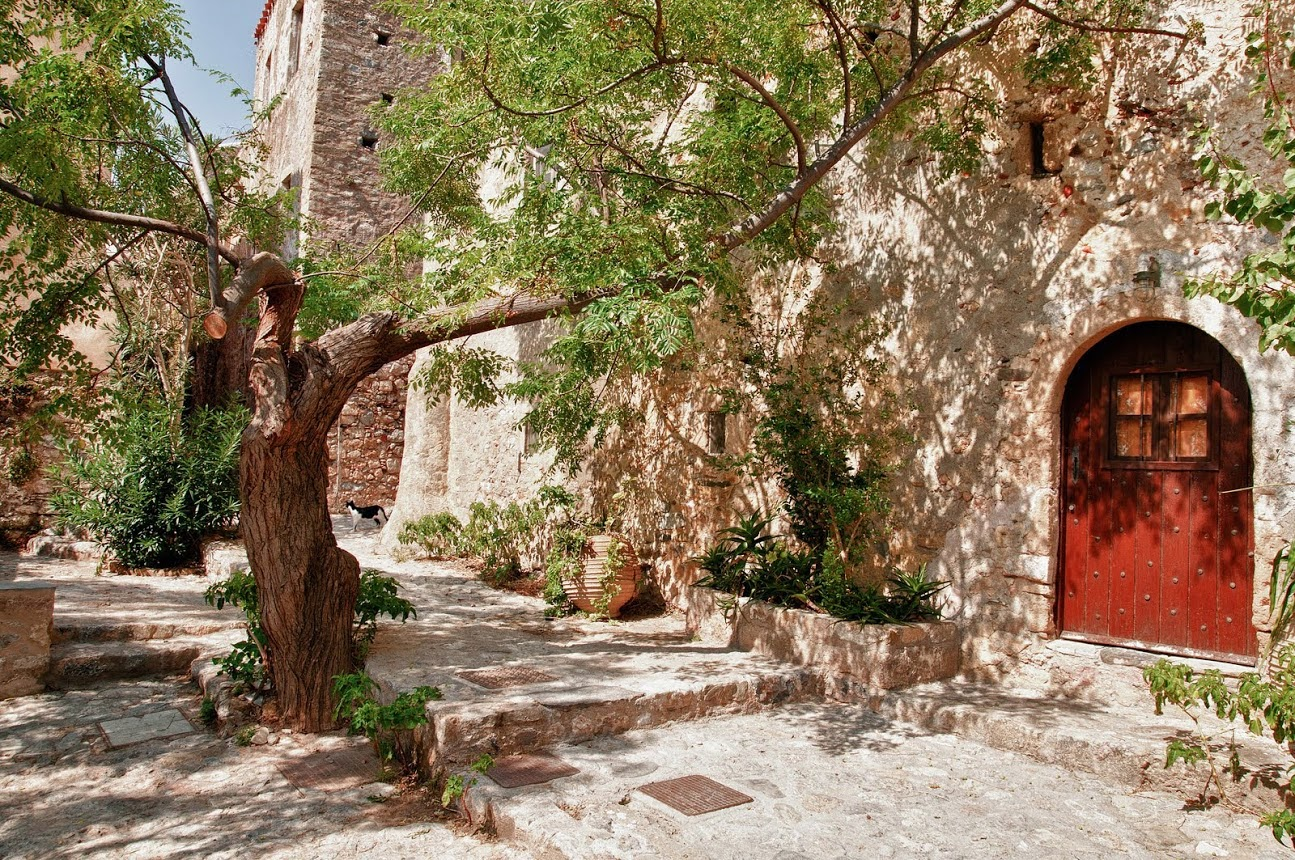 https://www.triporganizer.gr/destinations/monemvasia/